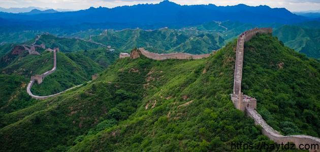 كم طول سور الصين العظيم