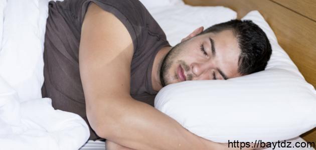 ما هو سبب التعرق أثناء النوم