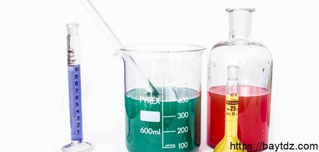 أدوات المختبر الكيميائي واستخداماتها