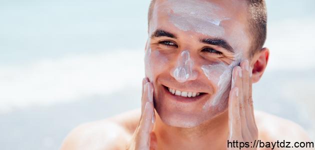 أسباب اسمرار الوجه عن باقي الجسم