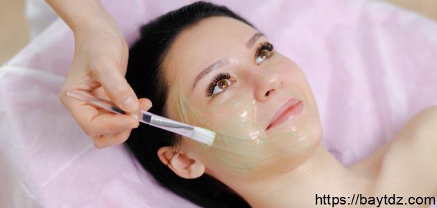أسرع طريقة لإغلاق مسامات الوجه