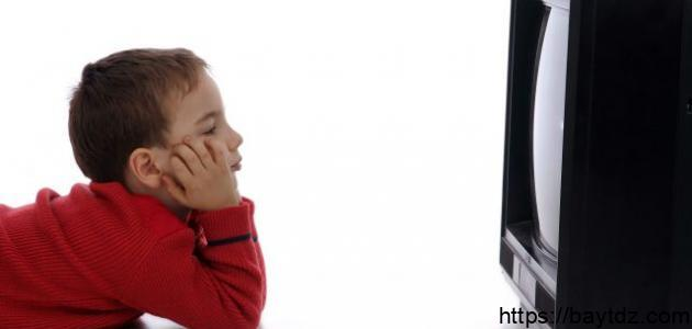 أضرار وفوائد التلفاز