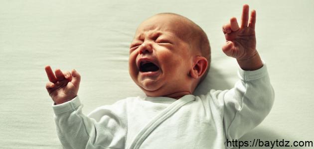 أضرار وقوع الرضيع على رأسه