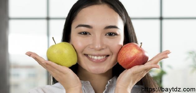 أطعمة تمنع ظهور حب الشباب