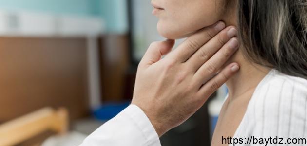 أعراض ارتفاع نشاط الغدة الدرقية