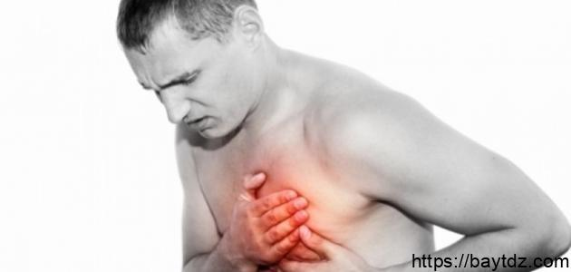 أعراض الذبحة الصدرية وأسبابها