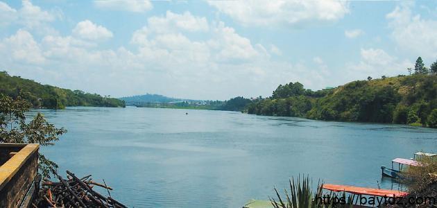 أين تقع بحيرة فكتوريا