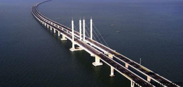 أين يقع جسر الملك فهد