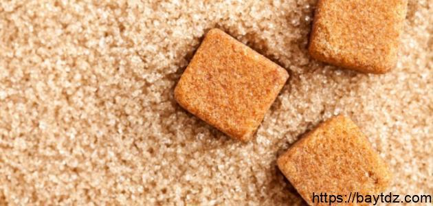 الفرق بين السكر البني والسكر الأبيض
