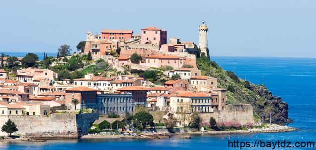 جزر إيطاليا السياحية