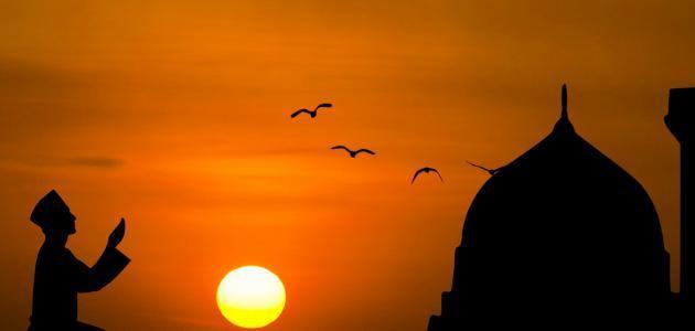 حكم من أفطر في رمضان متعمداً