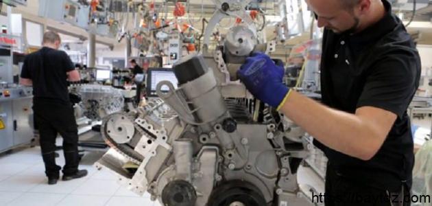 صناعة محركات السيارات