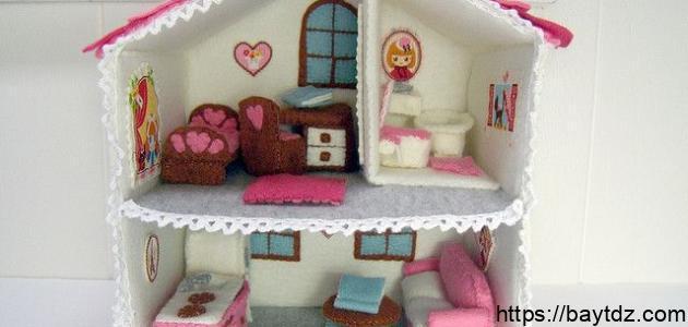 صنع بيت من الكرتون