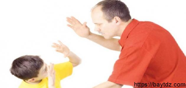 ضرب الطفل على رأسه