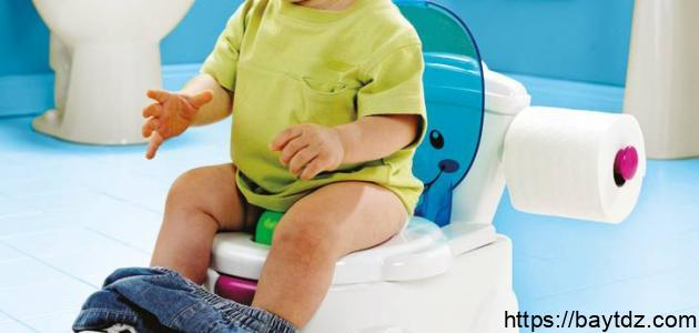 طرق تعليم الطفل دخول الحمام