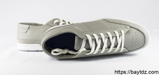 طرق توسيع الحذاء الضيق من الأمام