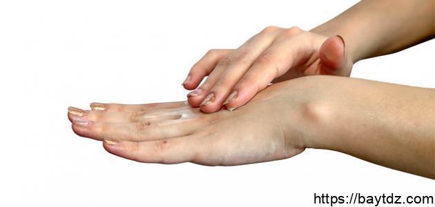 طريقة إزالة النمش من اليدين