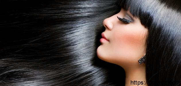 طريقة طبيعية لصبغ الشعر باللون الأسود