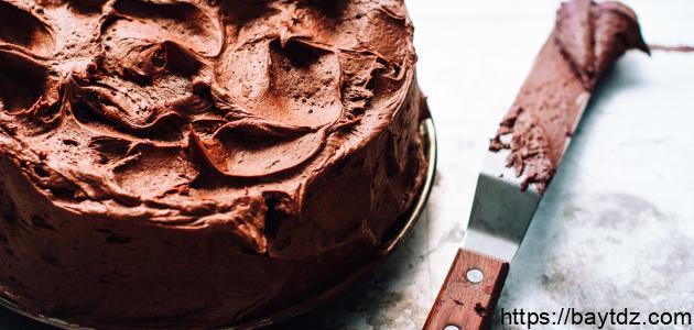 طريقة عمل صوص الشوكولاتة على الكيك