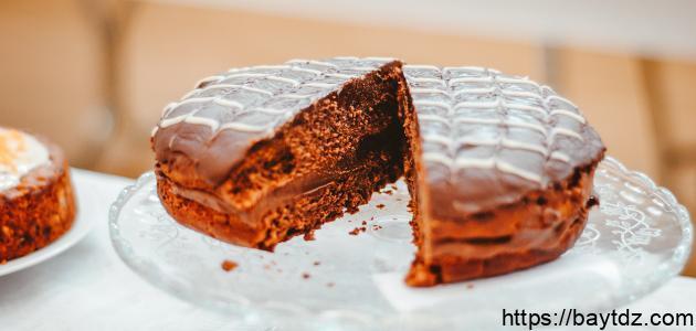 طريقة عمل صوص الشوكولاته لتزيين الكيك