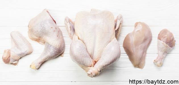 طريقة غسل الدجاج وتقطيعه