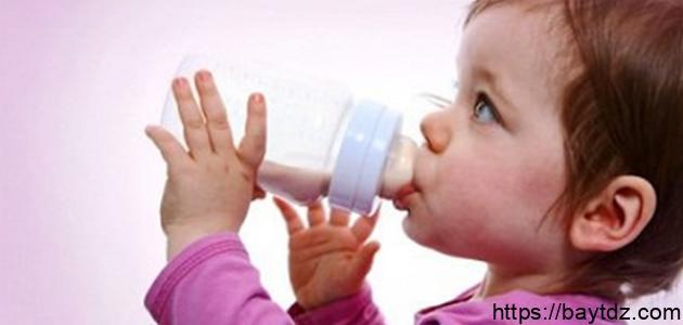 طريقة فطام الطفل عن الرضاعة الصناعية
