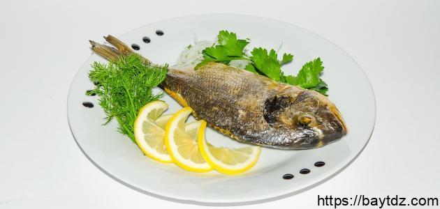 طريقة قلي السمك الطازج