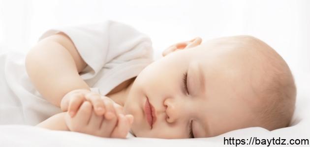 فوائد النوم للرضع
