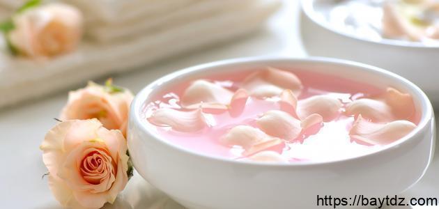 فوائد ماء الورد المثلج