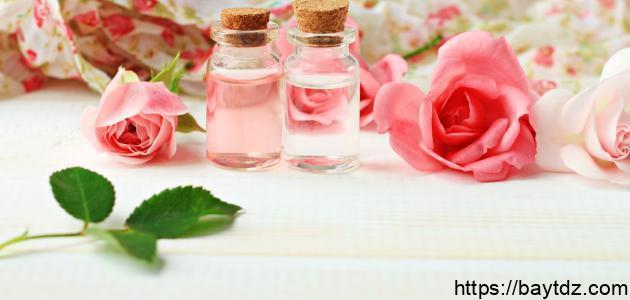 فوائد ماء الورد مع الماء