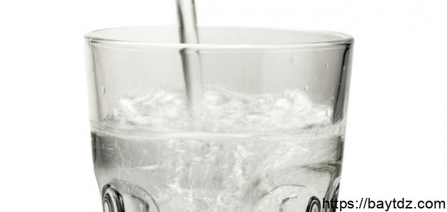 كم تبلغ نسبة الماء في جسم الإنسان
