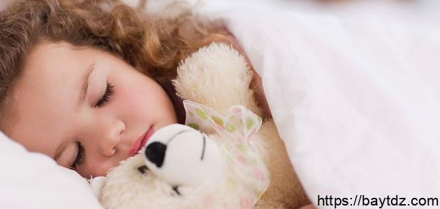كم عدد ساعات النوم الصحية