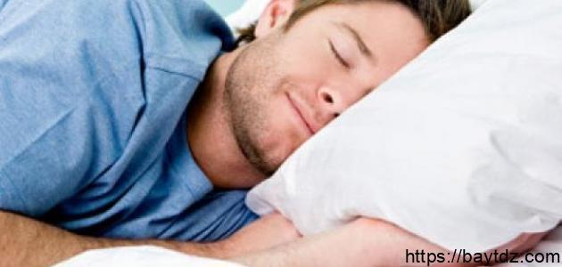 كم عدد ساعات النوم الطبيعي