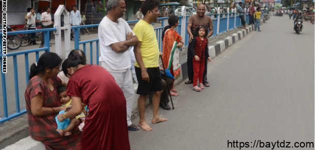 كم عدد سكان نيبال