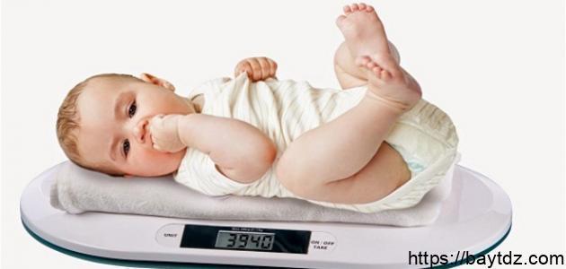 كم يكون وزن الجنين عند الولادة