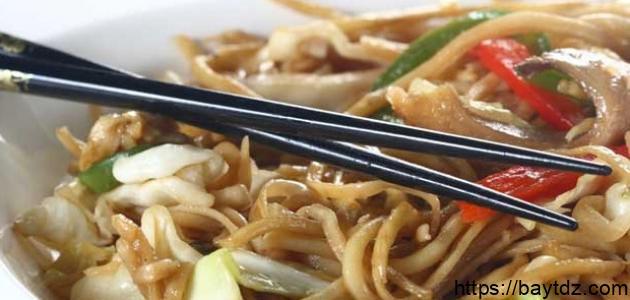 كيف آكل بالأعواد الصينية