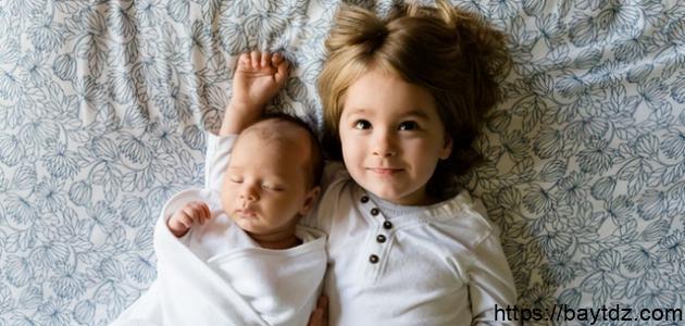 كيف أتعامل مع طفلي عند قدوم مولود جديد