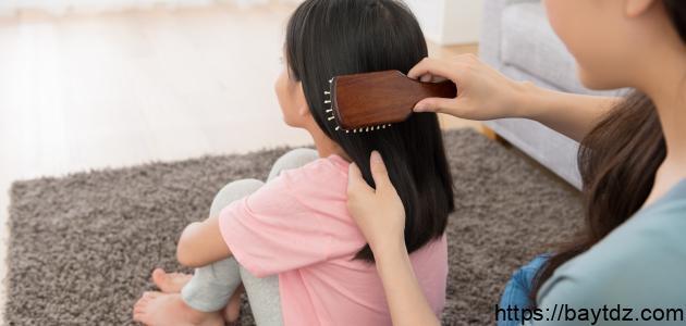 كيف أجعل شعر طفلتي ناعماً وكثيفاً