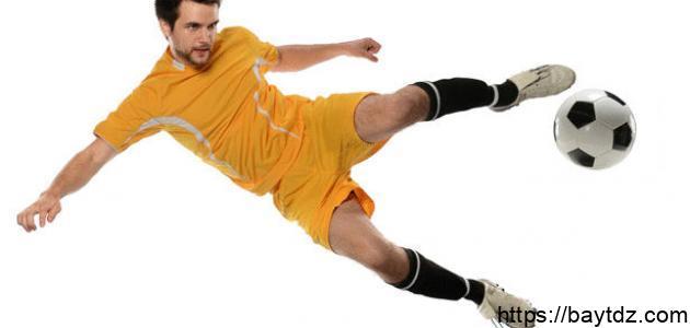 كيف أصبح لاعب كرة قدم محترف