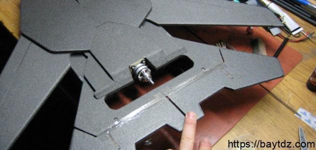 كيف تصنع طائرة