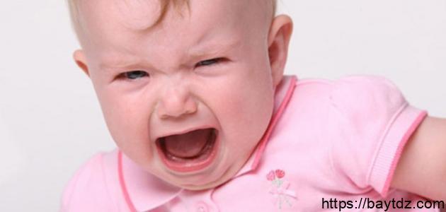كيف نتعامل مع بكاء الرضيع