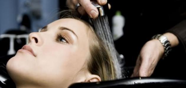 كيف يمكن ترطيب الشعر