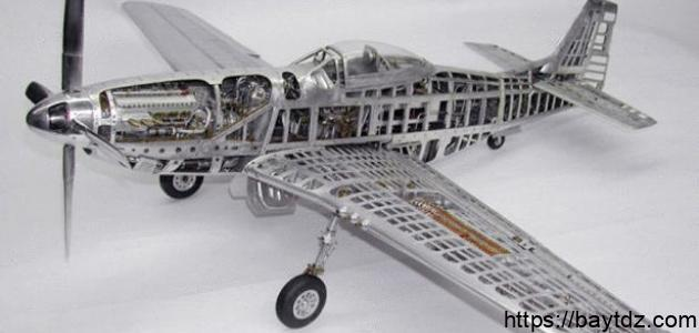 كيف يمكن صنع نموذج طائرة صغيرة