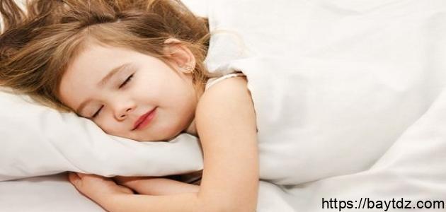 كيف ينام الطفل مبكراً