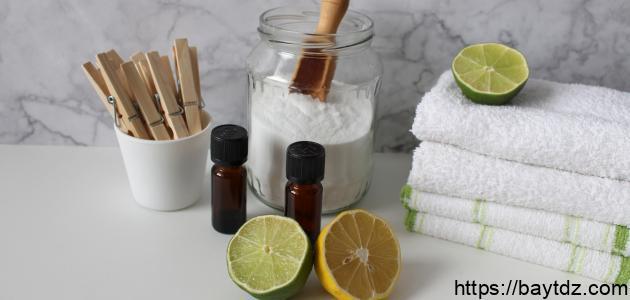 كيفية إزالة البقع من الملابس البيضاء