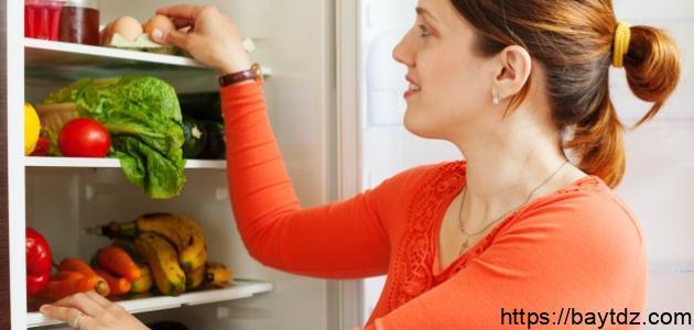 كيفية التخلص من رائحة الثلاجة الكريهة
