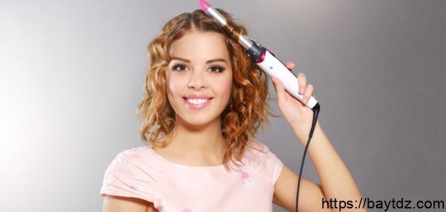 كيفية تجعيد الشعر القصير