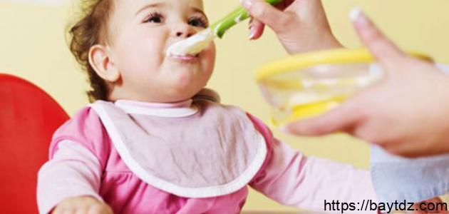 كيفية تغذية الطفل