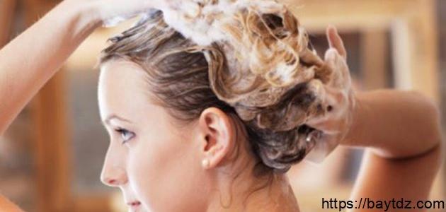 كيفية سحب الصبغة من الشعر