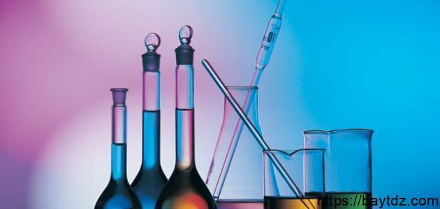 كيفية كتابة مقدمة عن الكيمياء
